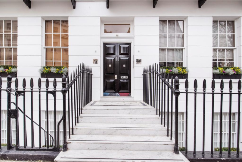 to rent in Knightsbridge & Chelsea - Chesham Place, London, SW1X