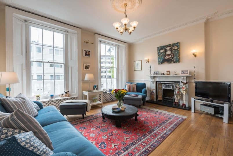 Maisonette for sale in Pimlico and Westminster - WINCHESTER STREET, SW1V