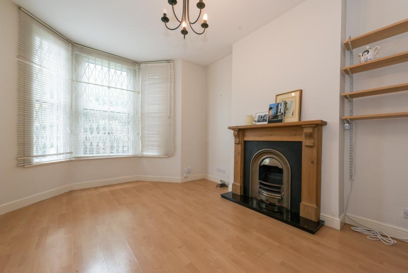 Flat/apartment to rent in Kensal Rise & Queen's Park - Buller Road, London, NW10