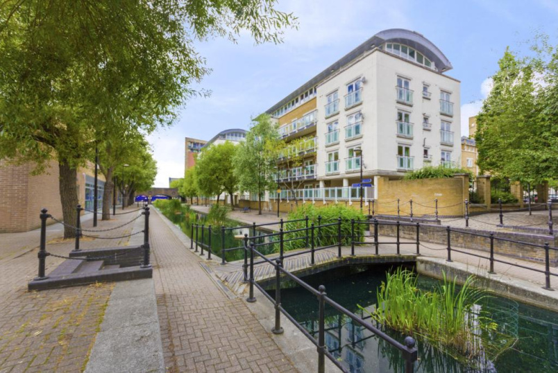 Flat/apartment to rent in Surrey Quays - Sycamore House, Woodland Crescent, SE16
