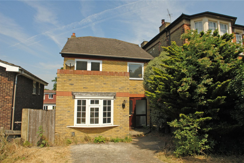House to rent in Dulwich - Mount Adon Park, East Dulwich, SE22