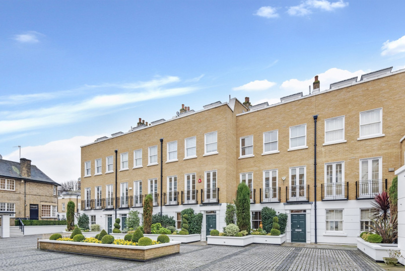 House - terraced to rent in St Johns Wood - TATHAM PLACE, NW8 6AF
