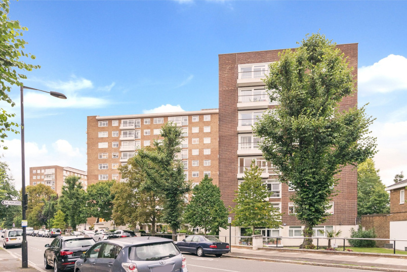 Apartment for sale in St Johns Wood - WALSINGHAM, NW8 6RL