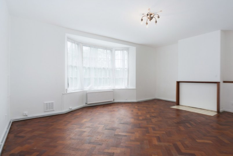 Apartment for sale in St Johns Wood - BRADBY HOUSE, NW8 9XE