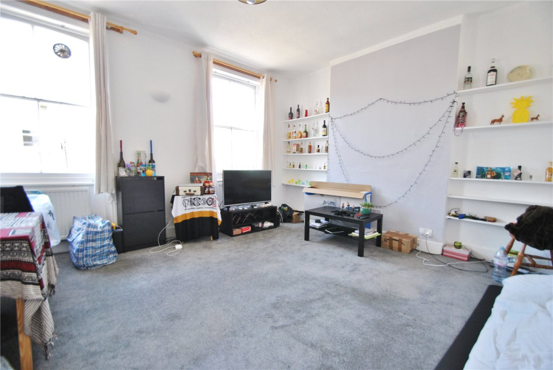 Flat/apartment to rent in Kentish Town - Falkland Road, London, NW5