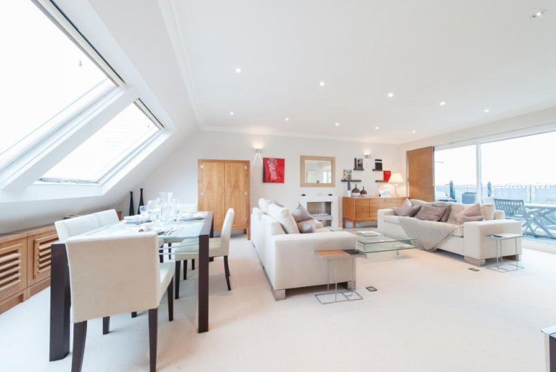 Flat/apartment to rent in Knightsbridge & Chelsea - Chase Court, 28-29 Beaufort Gardens, Knightsbridge, SW3