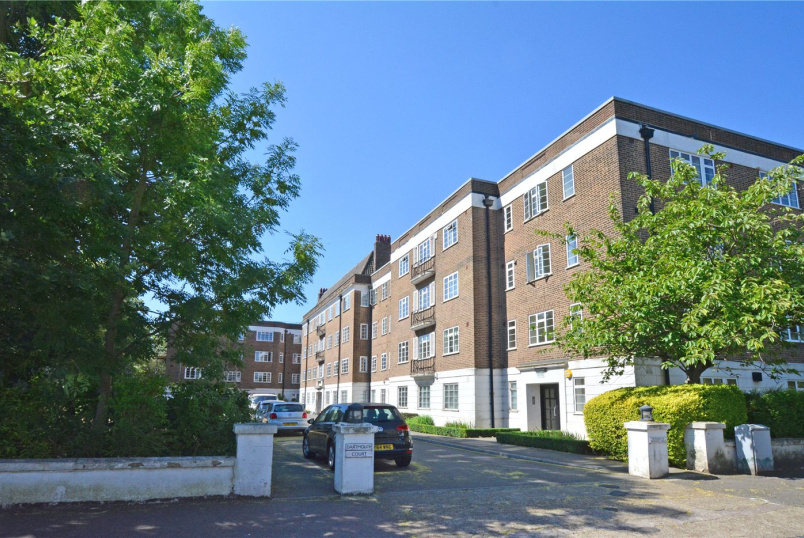 Flat/apartment to rent in Greenwich - Dartmouth Court, Dartmouth Grove, London, SE10