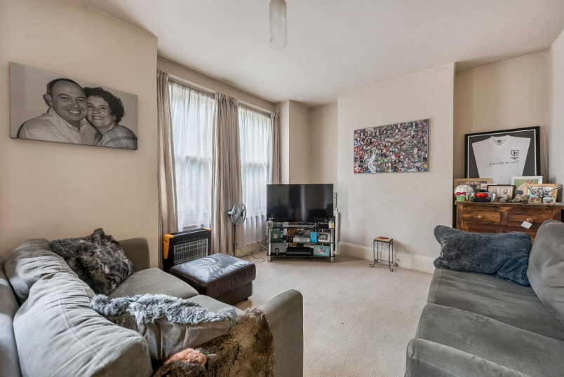 Flat for sale in Clapham - TENNYSON STREET, SW8