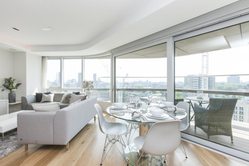 Flat/apartment to rent in Islington - Canaletto Tower, 257 City Road, London, EC1V