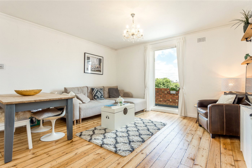 Flat/apartment for sale in Putney - Millbrooke Court, Keswick Road, London, SW15