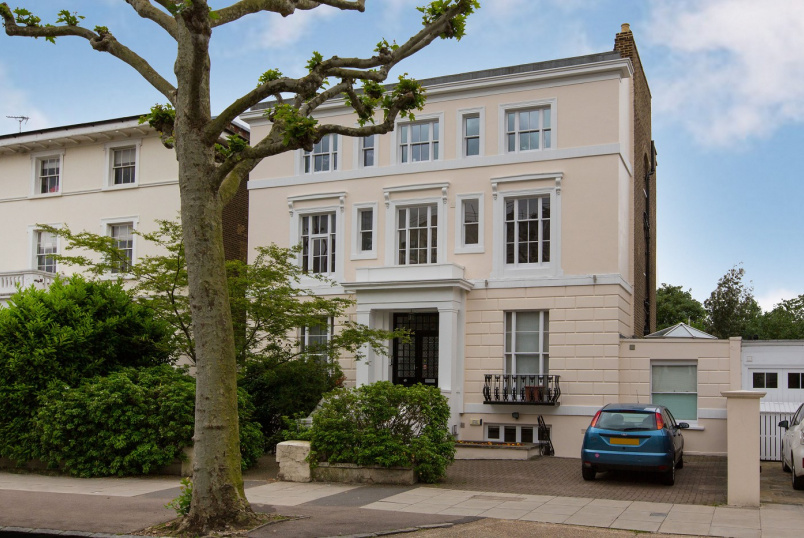 Flat to rent in St Johns Wood - HAMILTON TERRACE, NW8 9QY