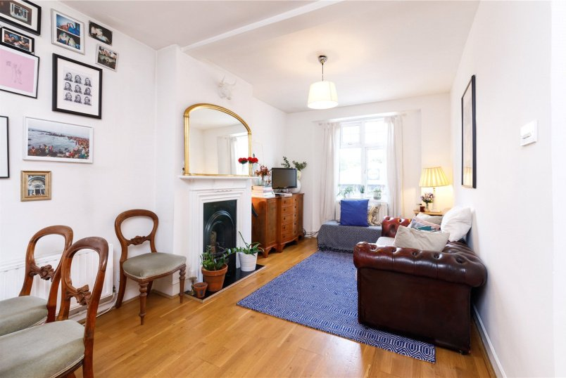 Flat/apartment for sale in Hackney - Classic Mansions, Well Street, London, E9