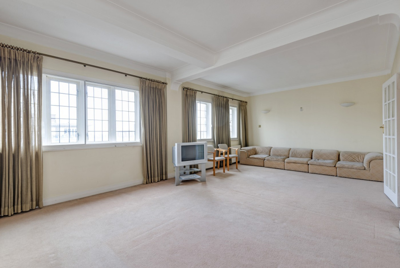 Apartment for sale in St Johns Wood - WELLINGTON COURT, NW8 9TB