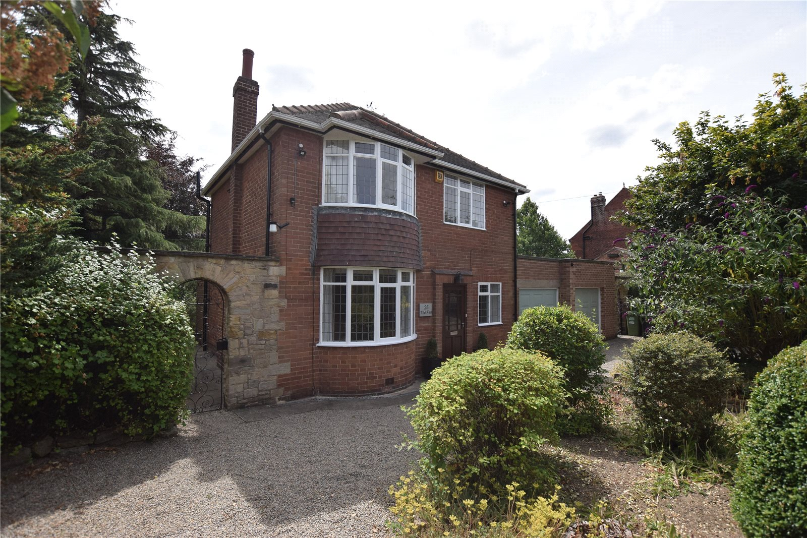 property to let in roundhay