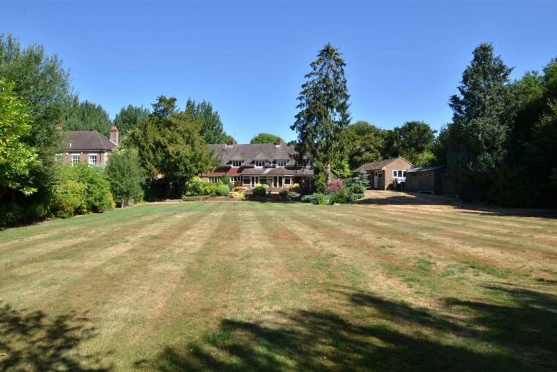 House for sale in Winchester - Sutton Scotney, Winchester, Hampshire, SO21