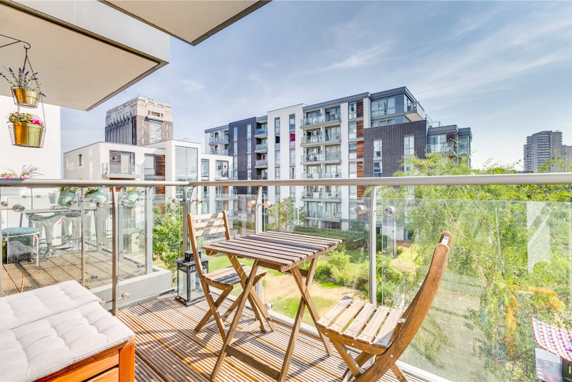 Flat/apartment for sale in Brentford & Isleworth - Laval House, Ealing Road, TW8