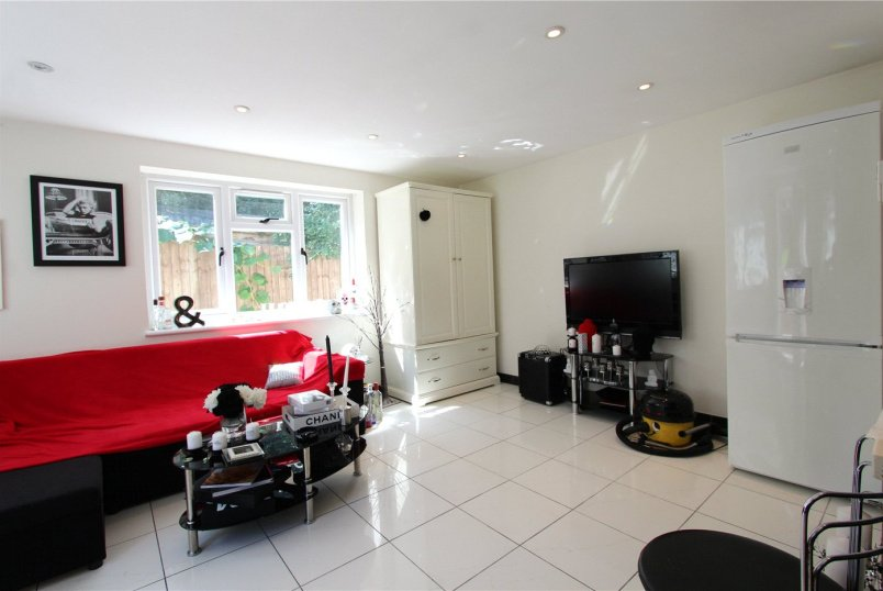 Flat/apartment to rent in Hendon - Sunny Gardens Road, London, NW4