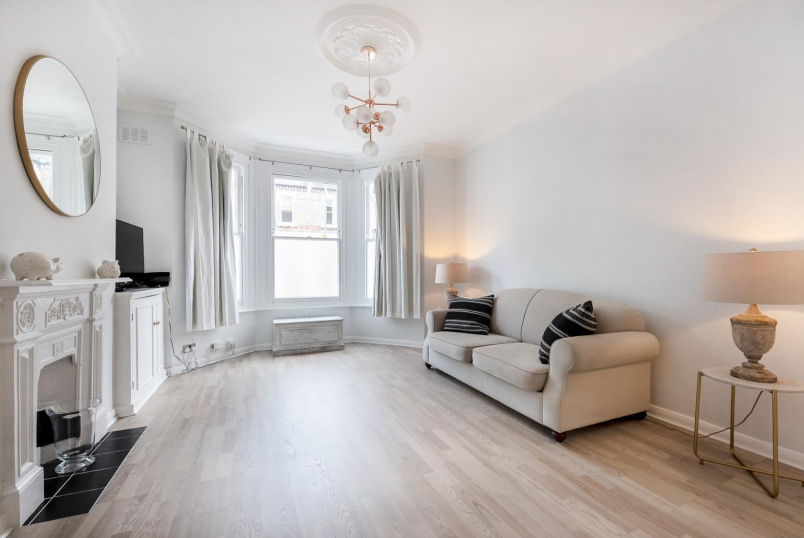 Apartment for sale in Battersea - LONGBEACH ROAD, SW11