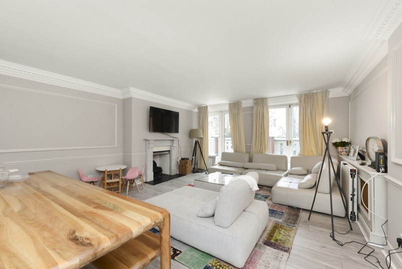 Flat to rent in St Johns Wood - HAMPSTEAD HEIGHTS, NW3 6PH