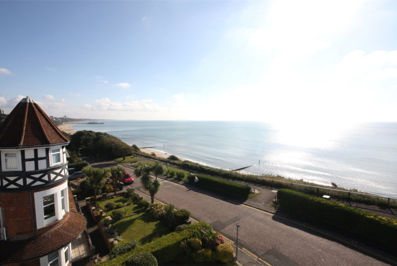 Penthouse to rent in Westbourne - Cliff House, 113 Alumhurst Road, Bournemouth, BH4