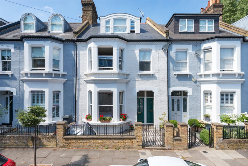 Flat/apartment for sale in Chiswick - Upham Park Road, Chiswick, London, W4