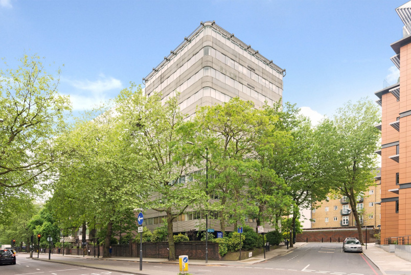 Apartment for sale in St Johns Wood - PARK ROAD, ST JOHN'S WOOD, NW8 7JS