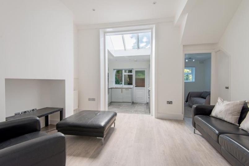 Flat for sale in St Johns Wood - GASCONY AVENUE, WEST HAMPSTEAD, NW6 4NA