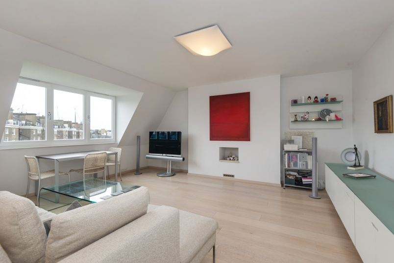 Apartment for sale in St Johns Wood - SUTHERLAND AVENUE, MAIDA VALE, W9 1ET