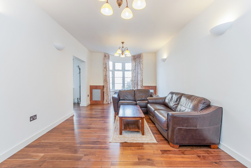 Apartment for sale in St Johns Wood - WILLIAM COURT, ST JOHN'S WOOD, NW8 9PB