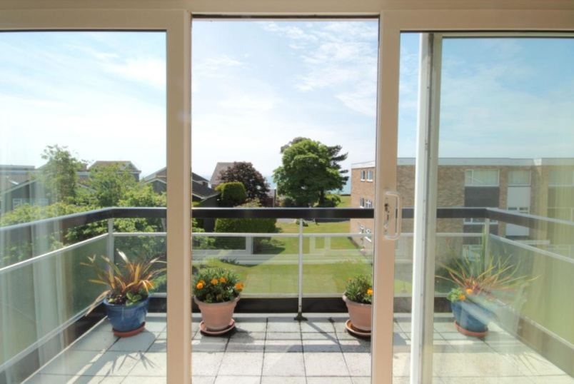 Flat/apartment to rent in Highcliffe - Chalfont Court, Ranelagh Road, Highcliffe, BH23