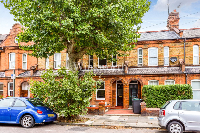 House for sale in Harringay - Lymington Avenue, London, N22