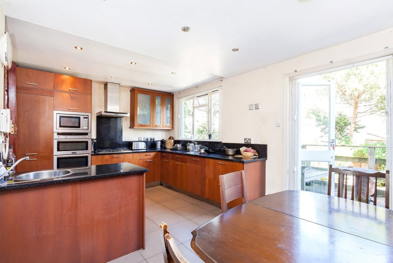 Maisonette for sale in Kentish Town - Malden Road, Kentish Town, London, NW5