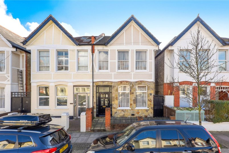House for sale in Tooting - Pendle Road, London, SW16