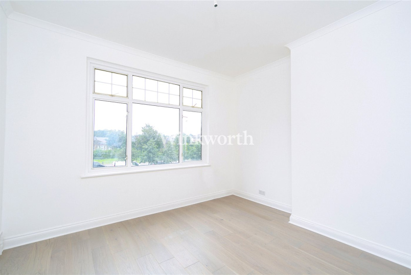 Flat/apartment for sale in Palmers Green - Bowes Road, London, N13