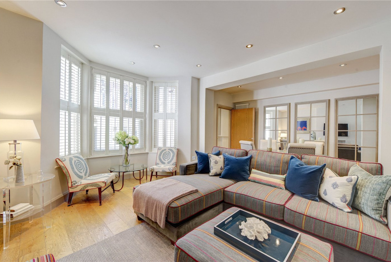 Flat/apartment for sale in  - Iverna Gardens, Kensington, London, W8