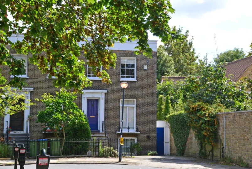 House for sale in Greenwich - Catherine Grove, Greenwich, SE10