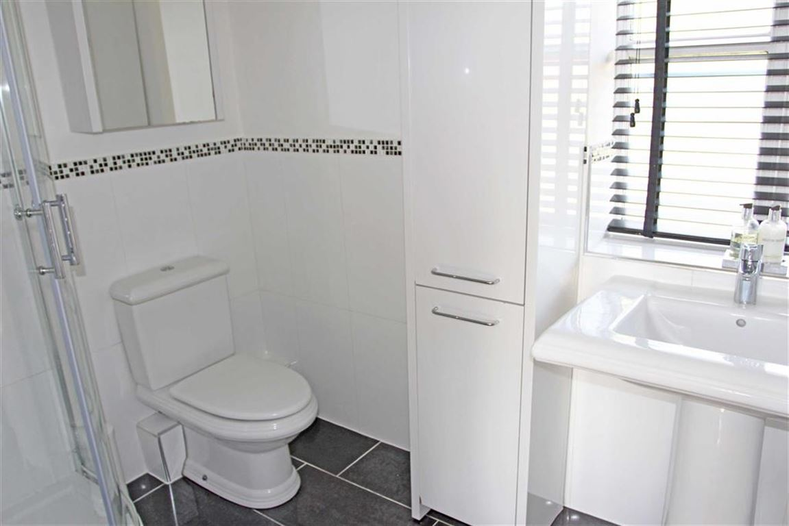 3 Bedroom Property For Sale In Gaulby Lane Stoughton Leicester - Black-and-white-bedroom-property