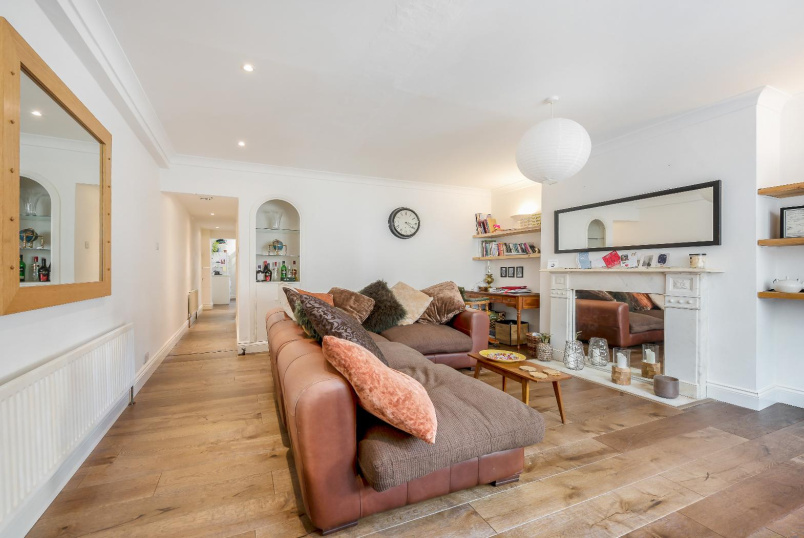 Flat for sale in Pimlico and Westminster - GROSVENOR ROAD, SW1V