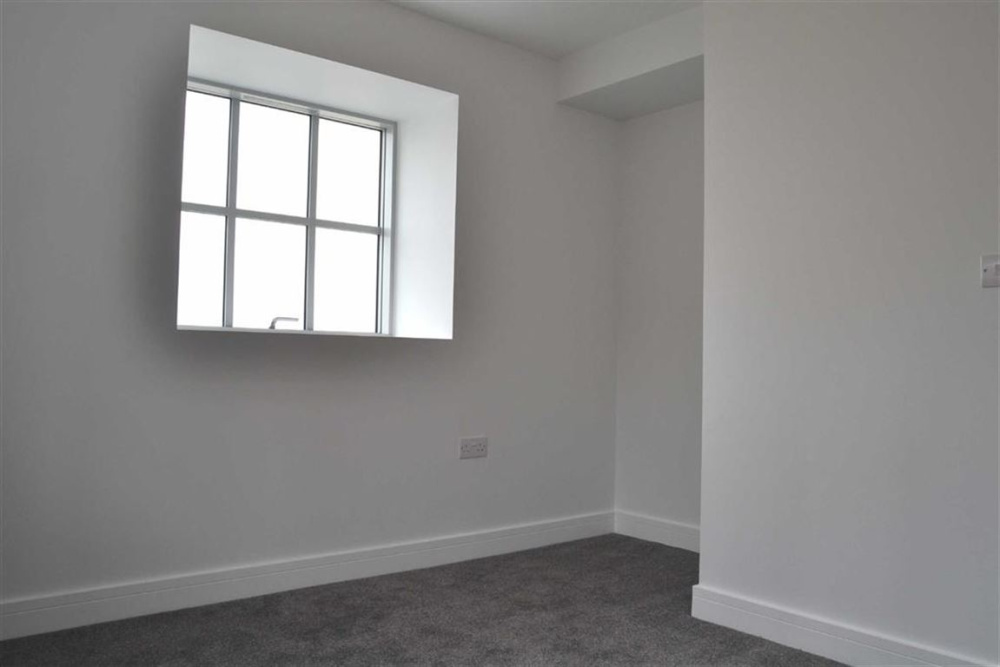 Stags 2 Bedroom Property For Sale In Ladywell Pilton Barnstaple - Black-and-white-bedroom-property