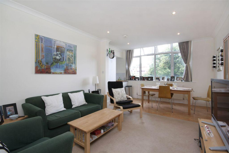 Flat/apartment to rent in Clerkenwell & City - Citadel Court, City Road, Clerkenwell, EC1Y