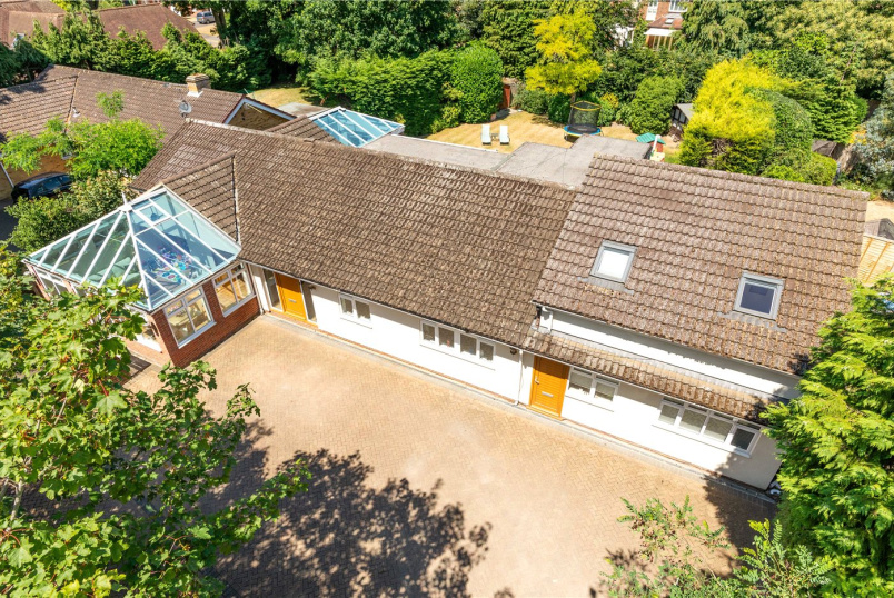 Bungalow for sale in Weybridge - Broomfield Court, Weybridge, KT13