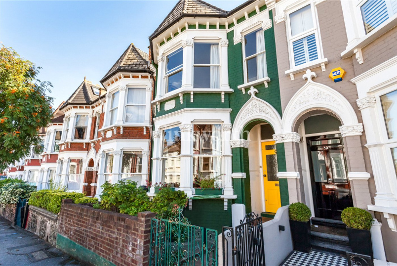 House for sale in Harringay - Pemberton Road, Harringay, N4