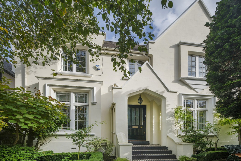 Unspecified for sale in St Johns Wood - LOUDOUN ROAD, NW8 0LT