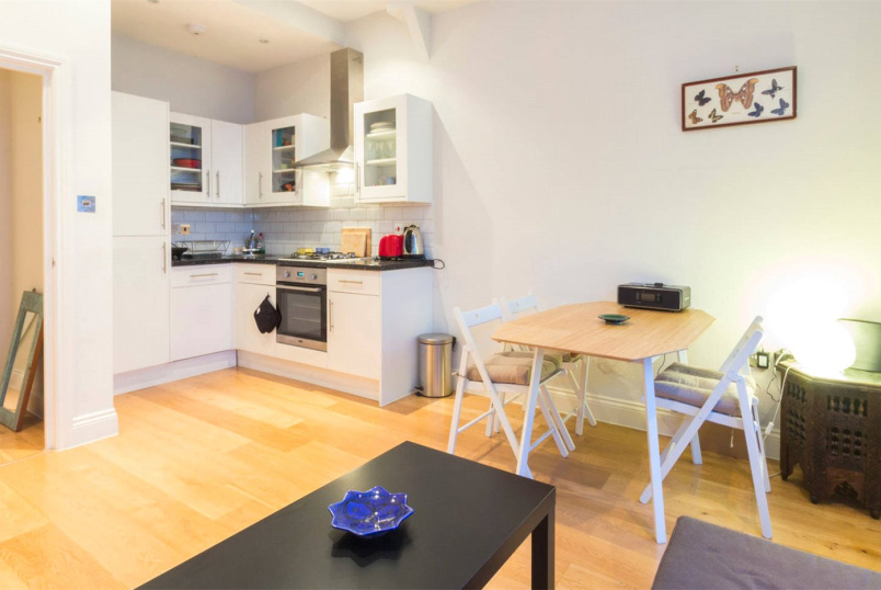 Flat/apartment to rent in Kensal Rise & Queen's Park - Pember Road, London, NW10