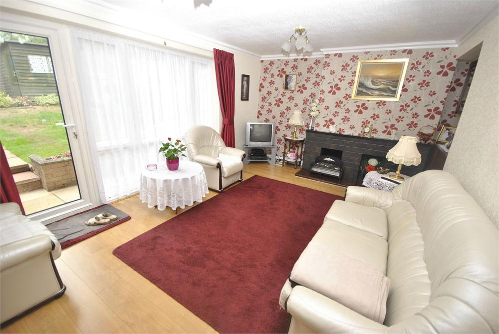 3 Bedroom Property For Sale In Lomaine Drive Kings Norton Birmingham 175000