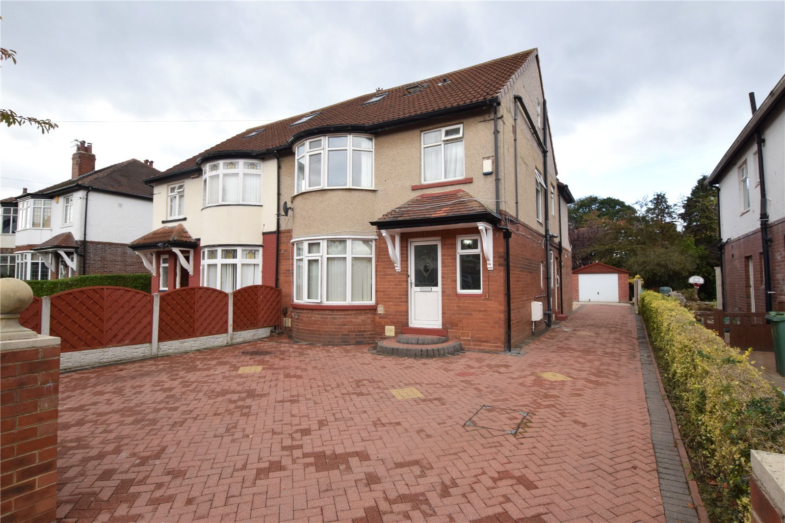 Property for sale in Headingley, exterior semi detached half red brick half pebble dash exterior