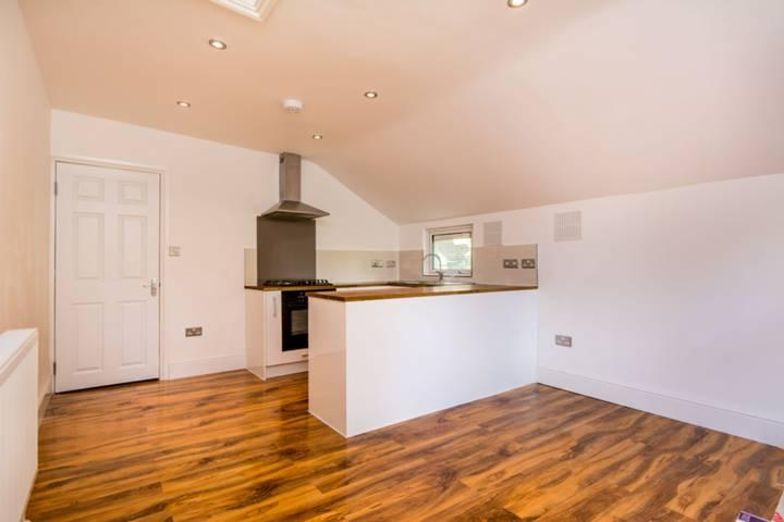 Flat/apartment to rent in Kensal Rise & Queen's Park - Harlesden Gardens, London, NW10