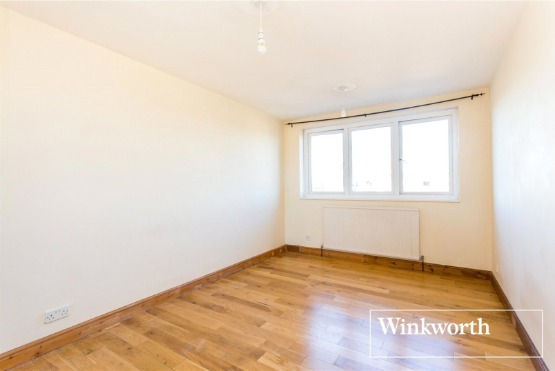 Flat/apartment to rent in Finchley - Regent Court, 190 Ballards Lane, London, N3