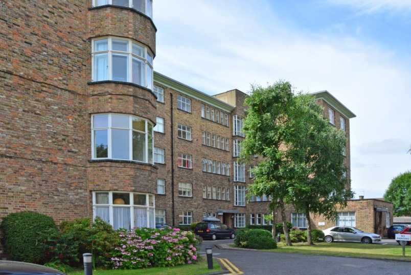 Flat/apartment for sale in Blackheath - The Lawns, Lee Terrace, Blackheath, SE3