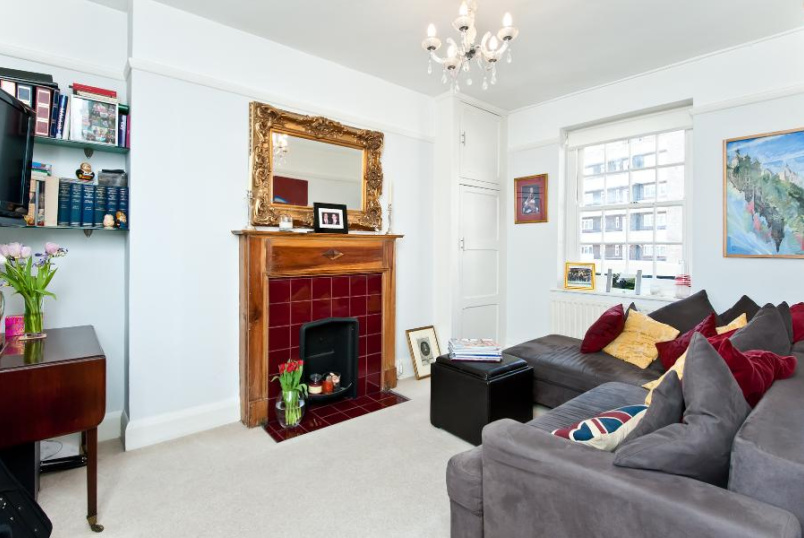 Flat to rent in Kennington - WESTMINSTER BRIDGE ROAD, SE1